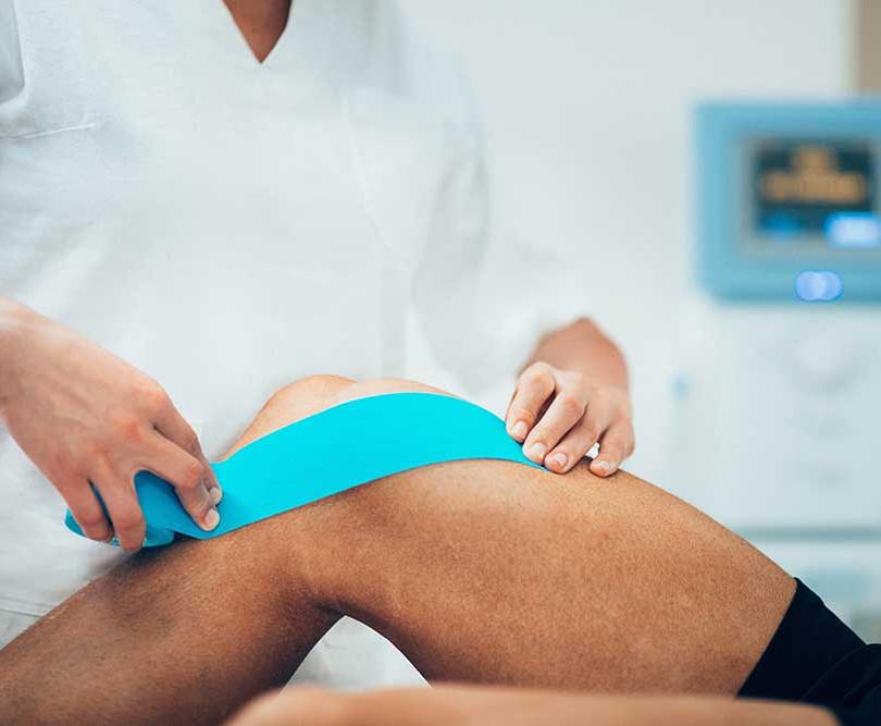 swollen-knee.jpg