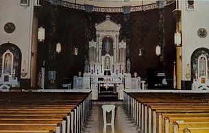 Interior St. Matthew, new altar
