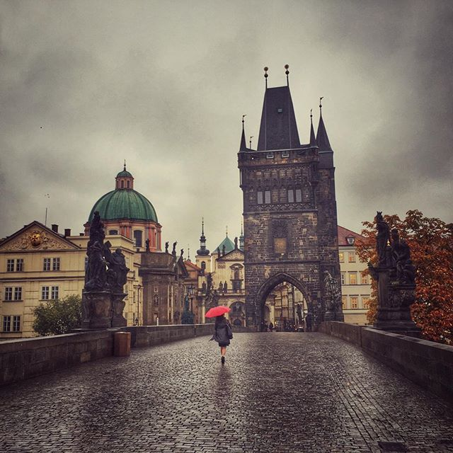 Good morning! #prague #charlesbridge #czechrepublic #praguewalks #travel #wanderyall #europe2015