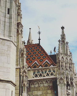 The detailing on the roofs of #Hungarian buildings is astounding. Each building blew me away with th