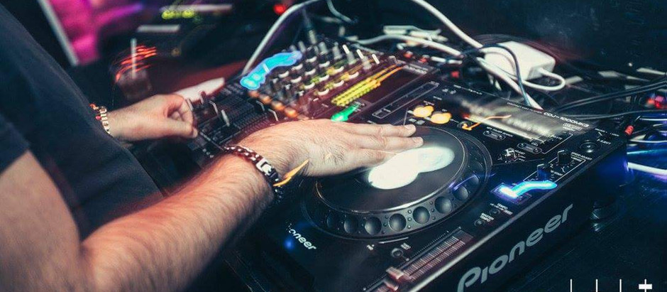 How The Right DJ Can Make Your Nightclub In Montreal A Huge Success