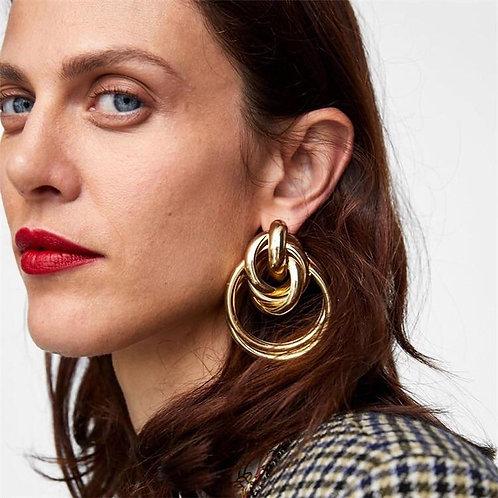 Gwen Oversized Swirl Into Me Earrings