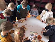 Atelier pot terre cuite Béké flouté.jpg