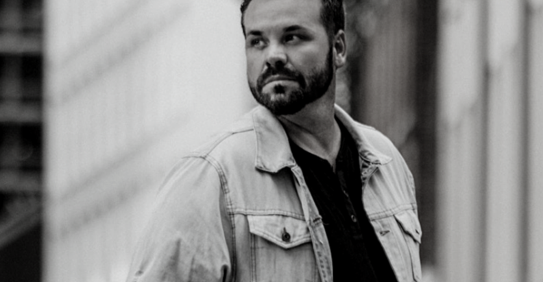 """COUNTRY MUSIC NEWCOMER MICHAEL MCCALL SET TO RELEASE DEBUT SINGLE  """"HE LOOKS GOOD ON HER"""""""