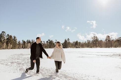 Optimized-couple-snow-cozy-photos-arizon