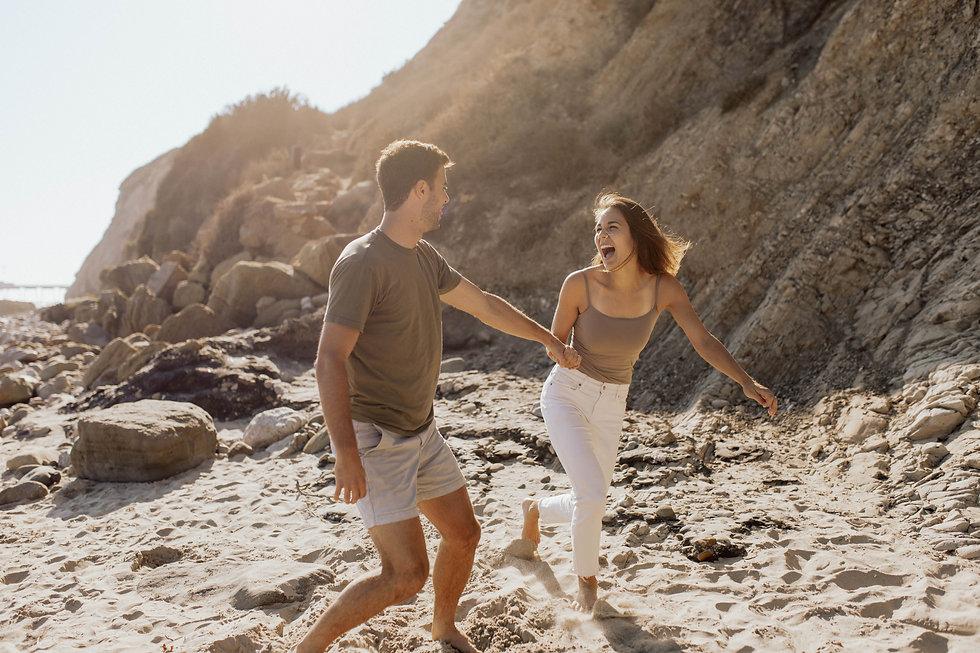 santa-barbara-couple-beach-cliffs-photos-25.jpg