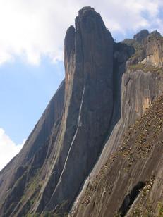 Hiking Torres de Bonsucesso