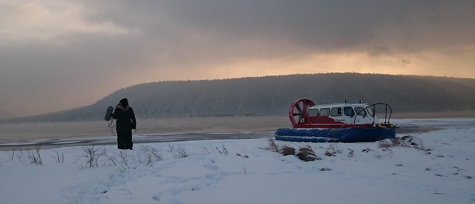 Hovercraft filming on snow v321.jpg