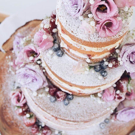 Naked Artisan Wedding Cakes - The favourite trend of 2016
