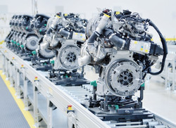 New manufactured engines on assembly lin