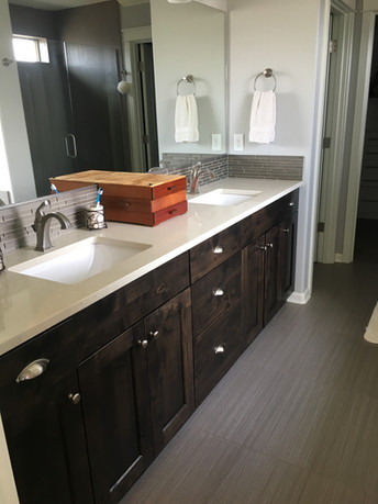 Bathroom After Tidying, Clear Countertops!
