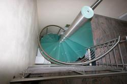 trepte si scari din sticla
