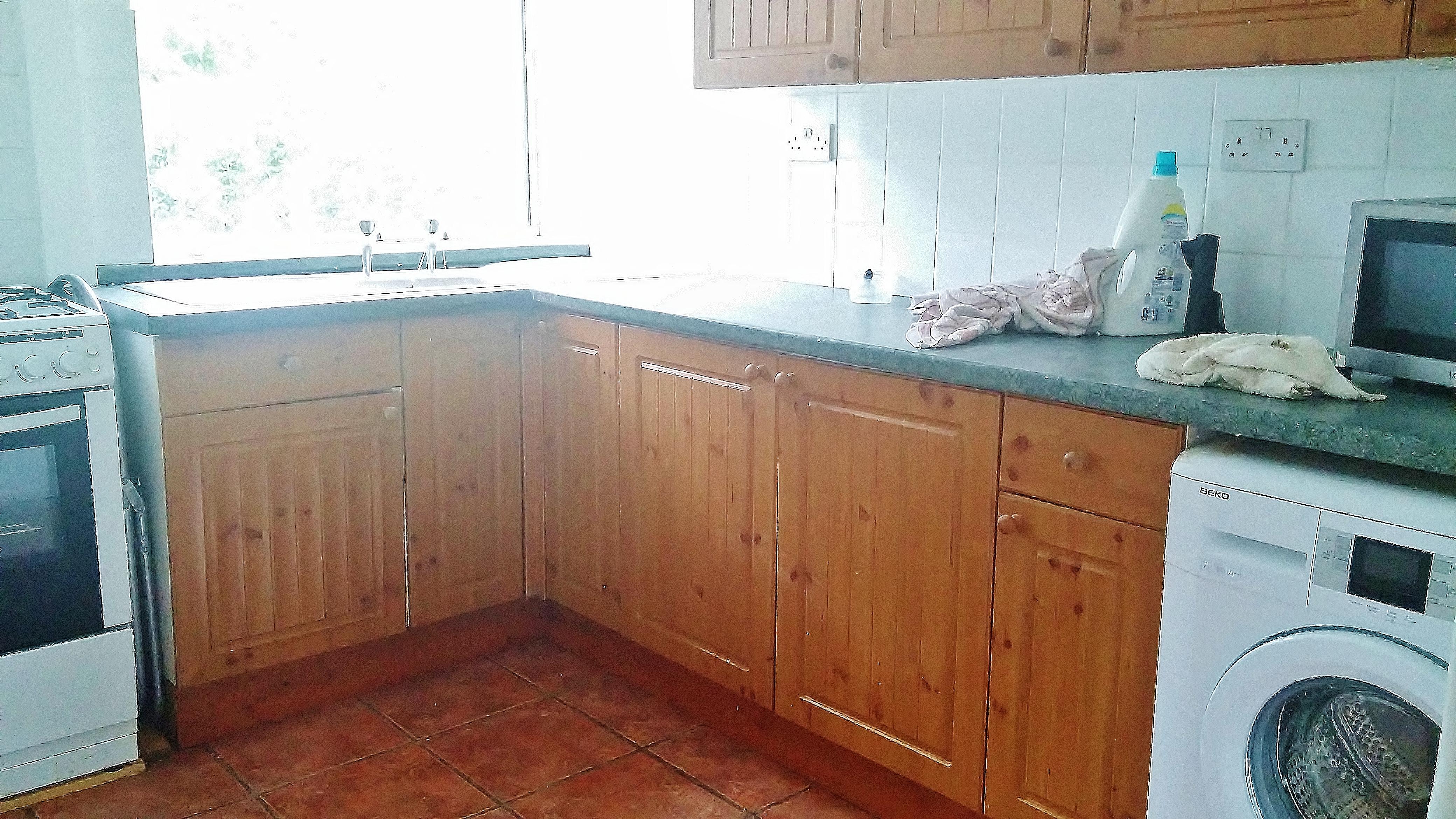 kitchen area Fairford Gdns