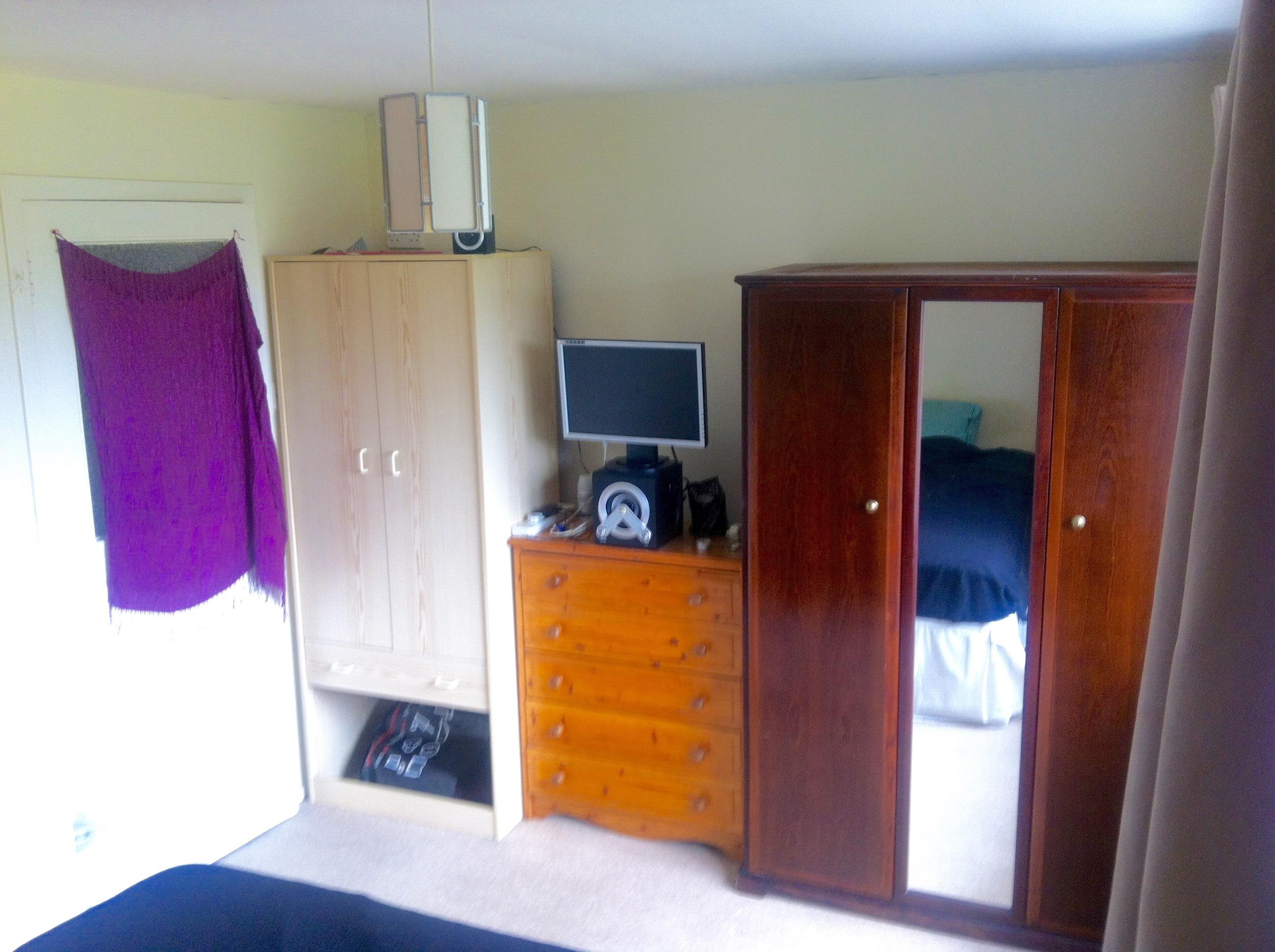Bedroom 1b (1).jpg
