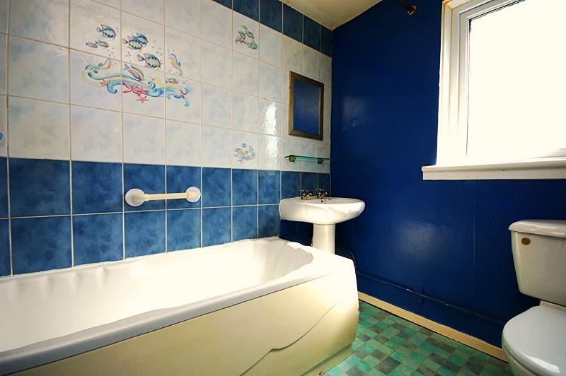 Bailie Grove bathroom
