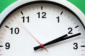 white-clock-reading-at-2-12-1537268.jpg