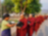 Церемония подношения монахам, Миоджи, Мьянма