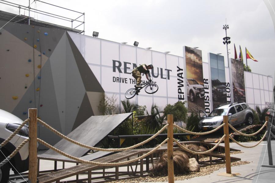 Renault 2012-11-16 11.13.03.jpg