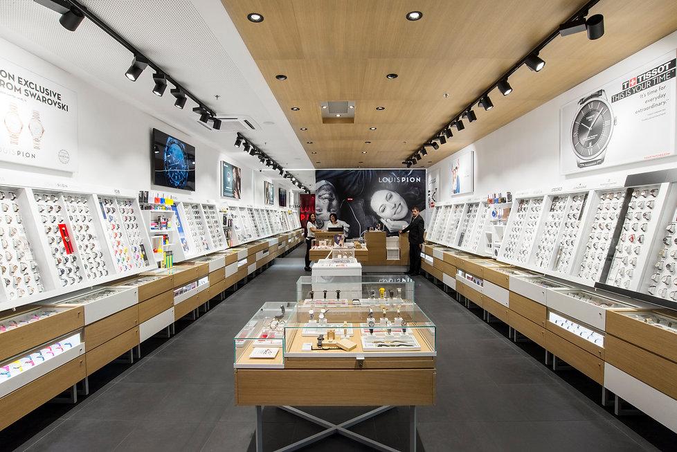 LOUIS PION new mershandising display