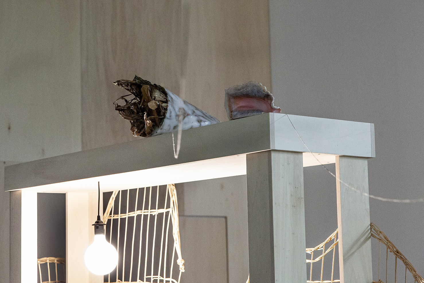 J'ai tué le papillon dans mon oreille (I have killed the butterfly in my ear), installation mix media, Magasin des horizons, Grenoble, France 2020, ©Camille Olivieri