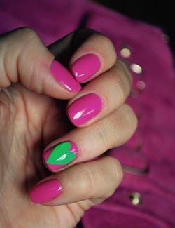 Pink Nails & Green Heart