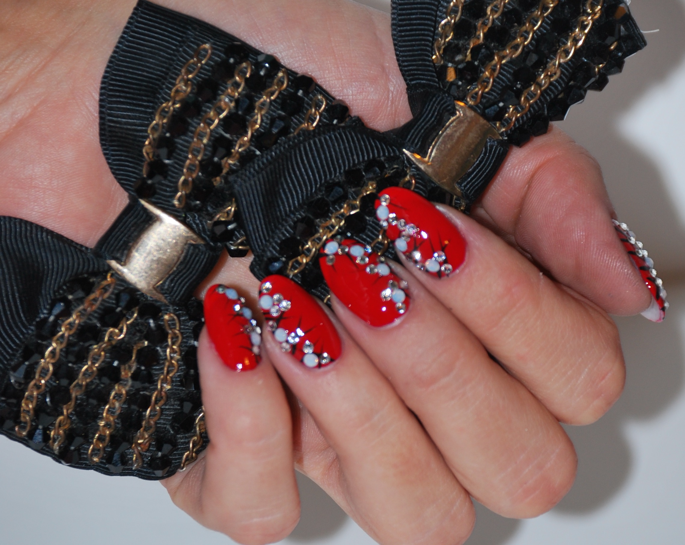 Red Nails & Rhinestones