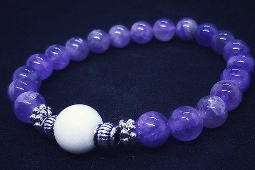Bracelet en Améthyste et perle de lait