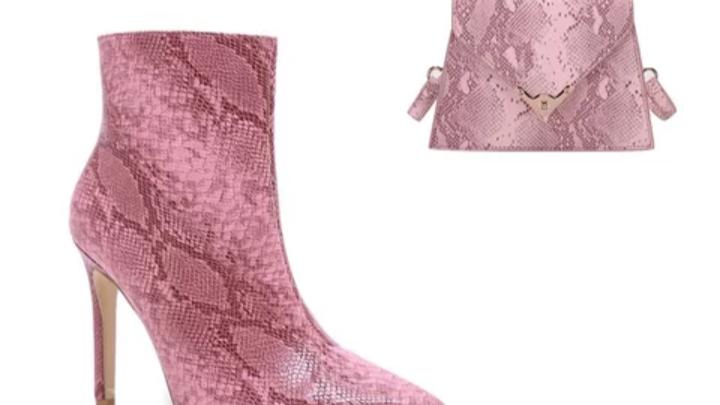 Snakeskin women matching shoe and bag,