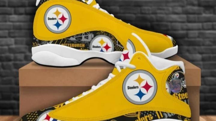 Signature sports shoes