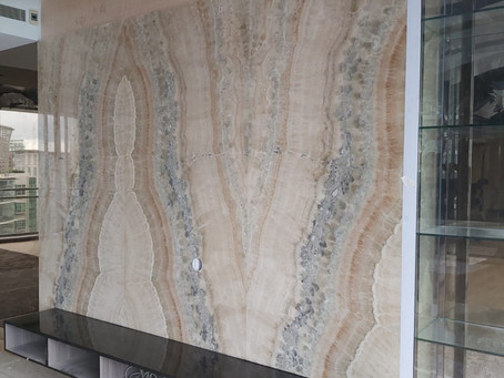 Natural Stone Feature Wall - River Onyx
