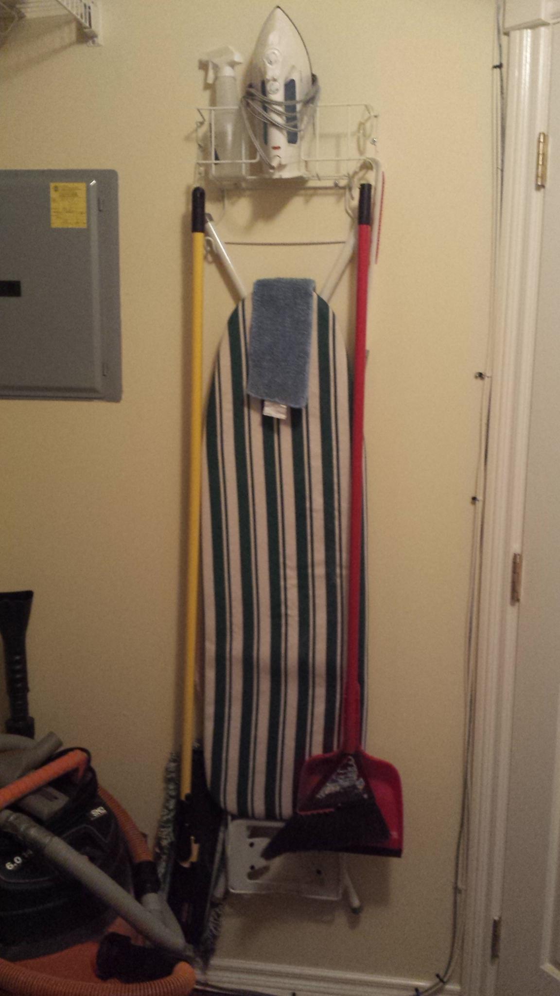 Unit 204 - Laundry Room 6
