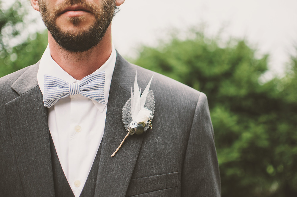 feathers, bowties, wedding ideas, flower choices