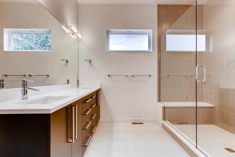 23 Wilder Ln Littleton CO-large-008-5-Master Bathroom-1500x1000-72dpi