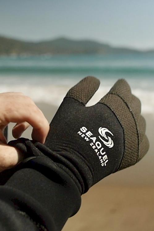 Kevlar-Diving-Gloves