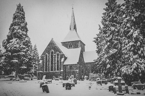 Snowy St Helen's Church, Wheathampstead