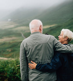 couple-daylight-elderly-1589865_editado.