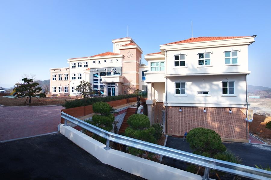 힘스국제학교 전경
