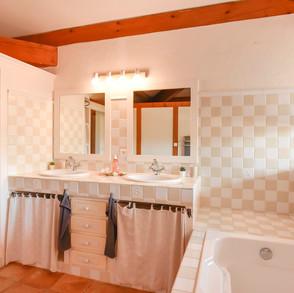 salle-de-bain-suite-sahasrara