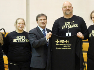 Boone Memorial Hospital gives to local high school basketball programs