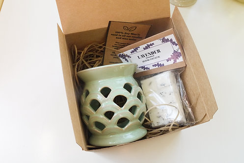 Green - Scaled Cut out Ceramic Wax Burner + 1 Melt (of your choice) Gift Set