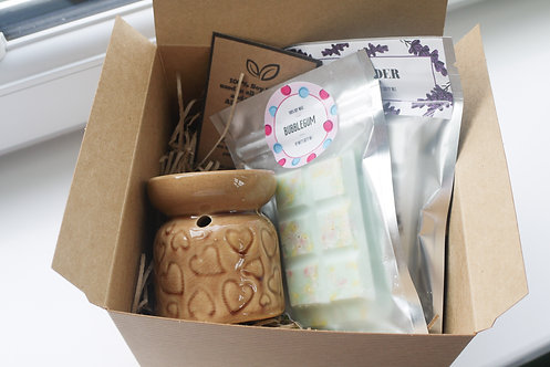 Caramel -Mini Hearts Ceramic Wax / Oil Burner + 2 Melts (of your choice) Gift Se