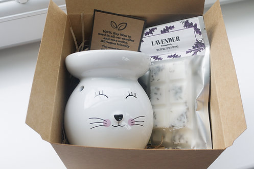 White Large Round Cat Ceramic Wax / Oil Burner + 2 Melts (of your choice) - Gi