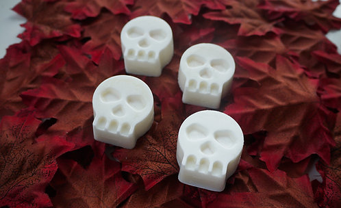 Black Musk Bleeding Skulls - Pack of 4 Soy Wax Melts - Vegan Friendly
