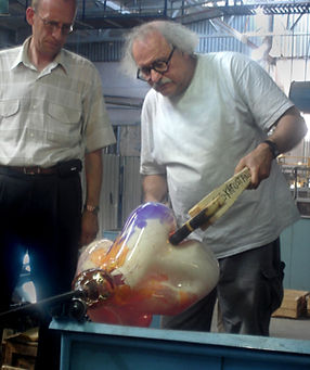 Marvin Lipofsky in 2006 at the 250th Anniversary Symposium of Gus-Khrustanly Glass Factory in Russia