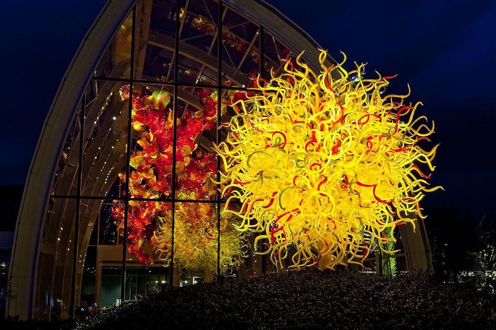 Chihuly Garden installation sculpture