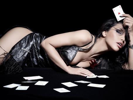 도박판에 꽃 카지노미녀딜러 공공의 적이 되다?