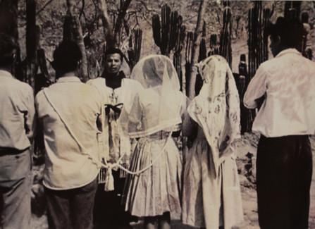 Impartiendo el Sacramento del Matrimonio