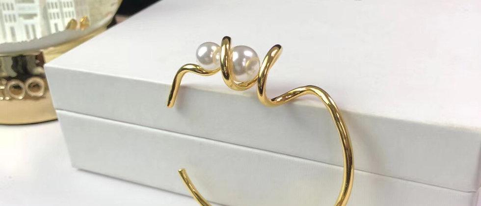 CELINE  Bracelet Pearl 18K