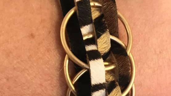 Bracelet effet cuir et rond doré