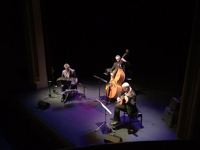 Victor Hugo VILLENA Tango trio